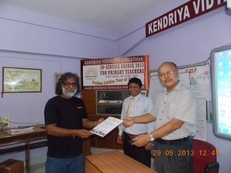 RECEIVING A CERTIFICATE AS RESOURCE PERSON FOR ICT DURING KVS IN-SERVICE COURSE 2013 FROM MR K.J.SUBBA, DEPUTY COMMISSIONER KVS GUWAHATI REGION.